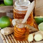 Honig mit Ingwer und Zitrusfrucht
